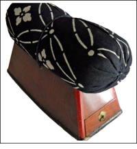 Old Bachimakura Geisha Pillow With Drawer