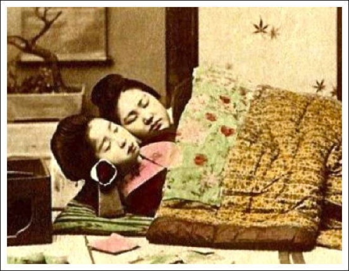 Old Japanese Bachimakura Geisha Pillow Quot
